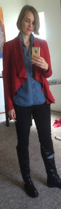 What is even going on with this look? Am I countrified circus ringleader? Fail.